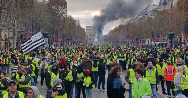 Γαλλική κυβέρνηση: Παραδέχεται αποτυχία με