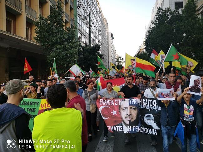 Μεγαλειώδης πορεία χιλιάδων Κούρδων και αλληλέγγυων: Έξω η Τουρκία από Κουρδιστάν