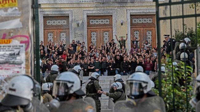 ΣΥΡΙΖΑ: Με τα ΜΑΤ ως κυβέρνηση, εναντίον τους ως αντιπολίτευση
