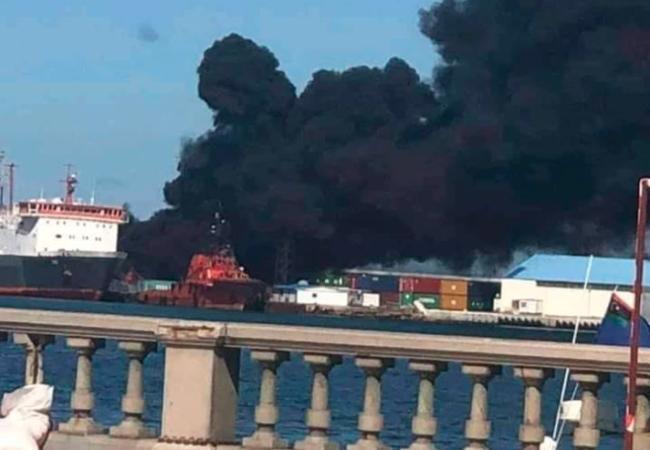 Ξεφτίλισαν Τουρκία! H Αεροπορία Χ.Χαφτάρ(LNA) βομβάρδισε τουρκικό πλοίο στηνΤρίπολη