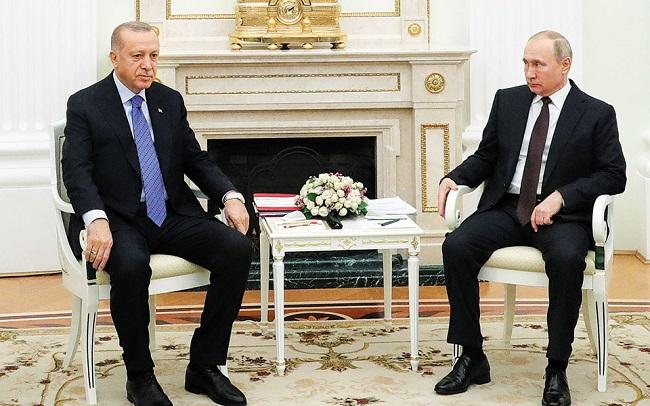 Ερντογάν εκλιπαρεί Πούτιν