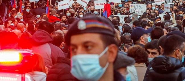 Αρμενία: Μεγάλες διαδηλώσεις