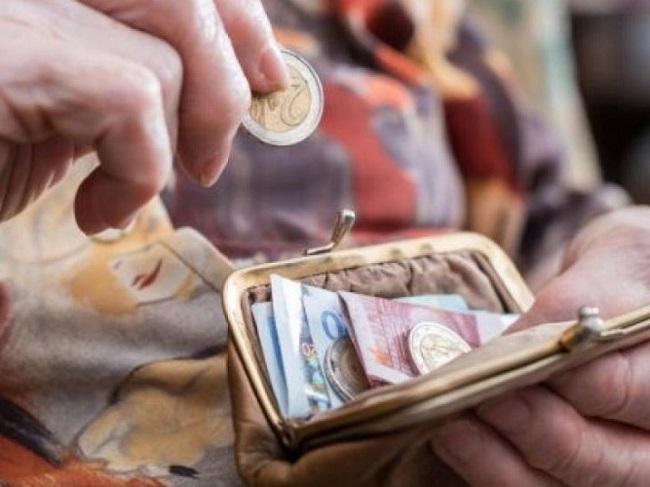 800 ευρώ σε κάθε έναν συνταξιούχο