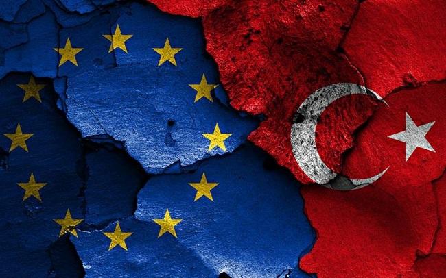 Γερμανία σε ρόλο bodyguard της Τουρκίας