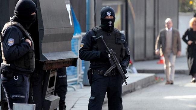 Μαζικές συλλήψεις συνταγματαρχών και ταγματαρχών