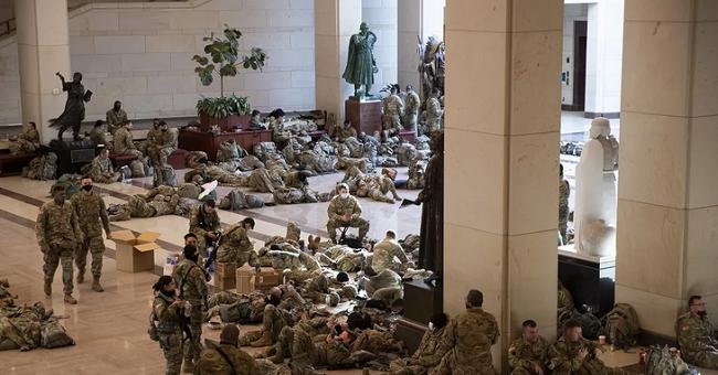 Στρατός κατέλαβε το Καπιτώλιο που συνεδριάζει