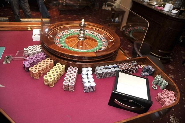 Απόφαση «βόμβα»: Μπλόκο ΣτΕ στη μεταφορά καζίνο Πάρνηθας στο Μαρούσι
