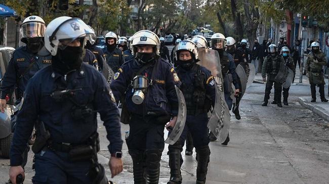 Η αστυνομική βαρβαρότητα αυξάνεται