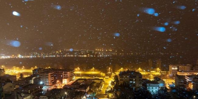 Σε εξέλιξη η κακοκαιρία «Λέανδρος». Χιόνια σε Θεσσαλονίκη και Πάρνηθα