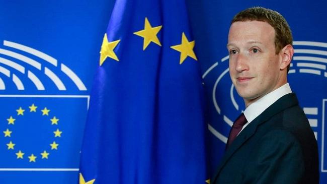Google και Facebook «εξαγοράζουν»