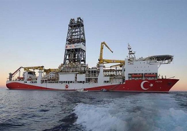 Η Τουρκία αγοράζει και τέταρτο γεωτρύπανο