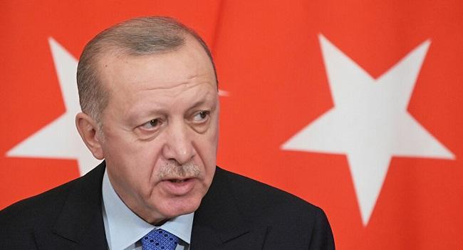 """Τούρκος πρώην ΥΠΕΞ σε Ερντογάν:""""Η Τουρκία σβήνει"""
