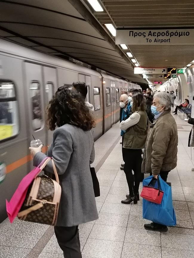 Στο μετρό δε κολλάει ο κορονοϊός