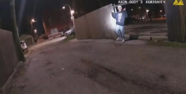 Αστυνομικός Σικάγου σκοτώνει 13χρονο