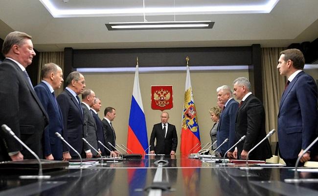 Ένωση με Λευκορωσία και διπλασιάζει