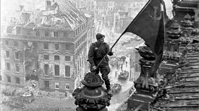 υποβαθμίζουν το ρόλο της Σοβιετικής Ένωσης