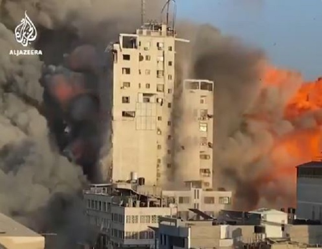 καταρρέει από ισραηλινό βομβαρδισμό