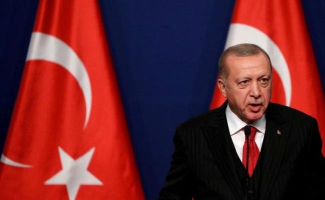 Κατηγορούν τον Ερντογάν ότι έβαλε χέρι