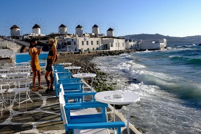 Εκτός «πράσινης λίστας» της Βρετανίας η Ελλάδα
