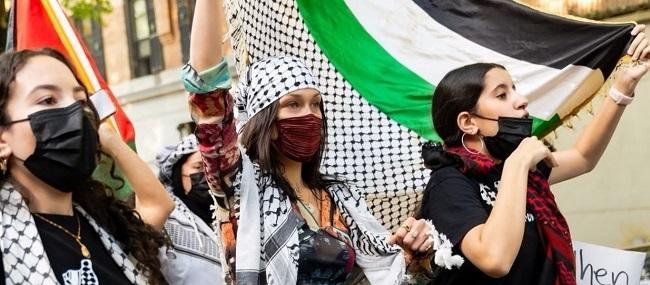 Συμμετείχε σε διαδήλωση υπέρ Παλαιστινίων