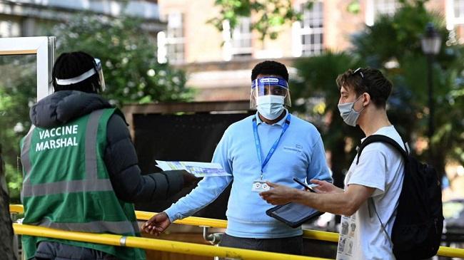 Νεκροί εμβολιασμένοι στη Βρετανία