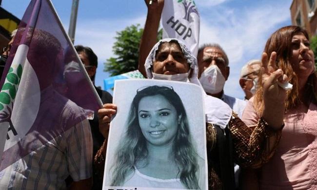 Βράζουν οι Κούρδοι για δολοφονία