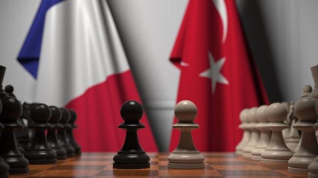 Η αντιπαλότητα Γαλλίας-Τουρκίας συνεχίζεται