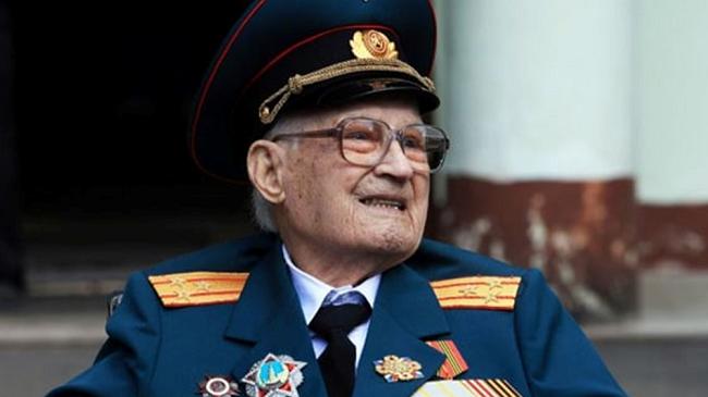Ρωσία: Βετεράνος Κόκκινου Στρατού