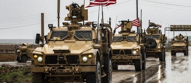 Οι Αμερικανοί αδειάζουν απόβλητα στρατιωτικής βάσης