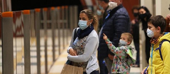"""""""Εξόριστοι"""" στις πόλεις τους από δευτέρα οι ανεμβολίαστοι"""