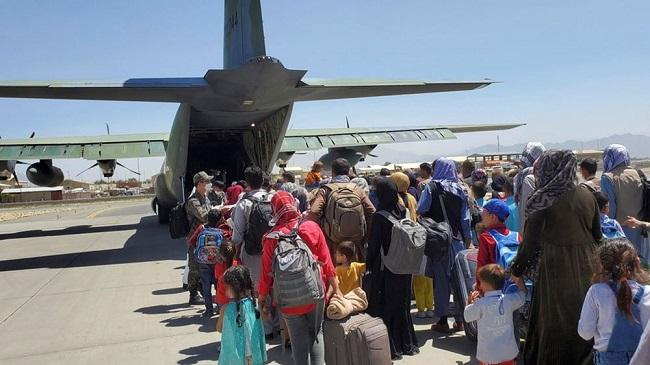 Το αεροδρόμιο της Καμπούλ άνοιξε και πάλι