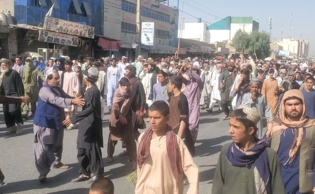 Αφγανιστάν-Χιλιάδες άνθρωποι