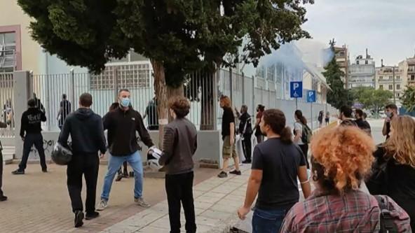 Θεσσαλονίκη-Επίθεση με καδρόνια