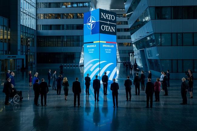H αχρήστευση του NATO