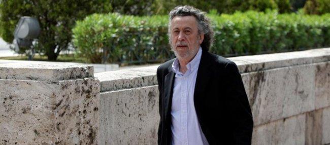 Μ.Τριανταφυλλόπουλος για εμβολιασμένο Γιώργο