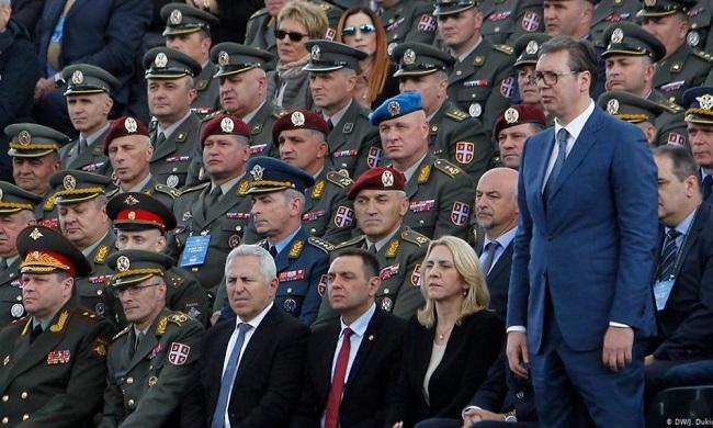 Προωθεί ενότητα όλων των Σέρβων