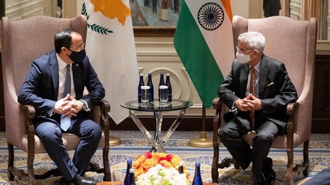 Ο Ερντογάν στηρίζει Πακιστάν