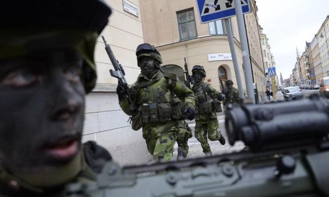 Βγάζουν το στρατό στους δρόμους